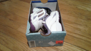 New size 2 1/2 girls Nike running shoes