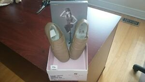 Girls Beige Leather Jazz Shoes