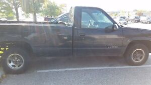 for sale I have a 1998 GMC pickup 6 cilender 8 foot box black
