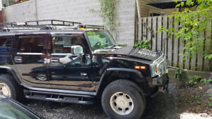 Hummer h2 noir 2003, 215,000 kilomètres $15,000.00. Ronald