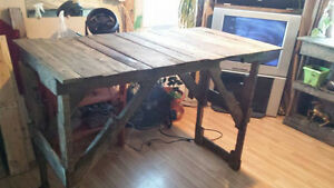 Barn Board , Pallet Pub table