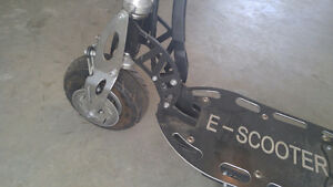 Kids Scooter....very fast ! AWESOME CHRISTMAS GIFT ! London Ontario image 2