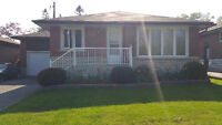 BEAUTIFUL MAIN LEVEL OF BUNGALOW IN NORTH OSHAWA FOR RENT!!!!