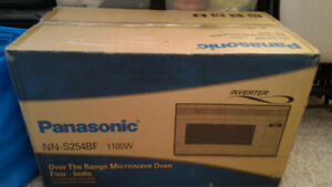 Over The Range Microwave oven NEW PANASONIC