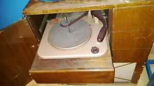 Phonograph / record player in cabinet