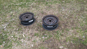 PRICE DROP 2 14x5.5 rims and winter tires