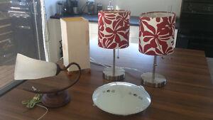 Lampes diverses: plafonniers, de table, murale