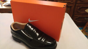 Nike golf shoes youth leather Pro air sole , NEW