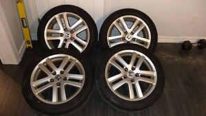 Set of 4 tires on aluminum alloy rims, 215 50 r17