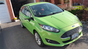 2014 Ford Fiesta SE only 32000 kilometers!