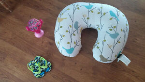 breast feeding/support pillow