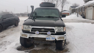 98 3rd gen off road toyota 4runner project and parts vehicle