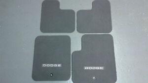 floor mats for dodge caliber NEW London Ontario image 1