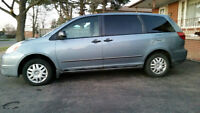2005 Blue Toyota Sienna Well maintained