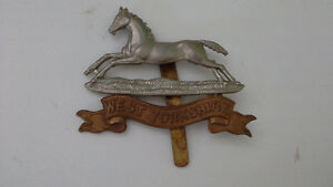 British Army WW1 West Yorkshire regiment military brass capbadge