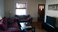 Great Location!!! Central Kingston, Shopping, SLC, Q's, etc.