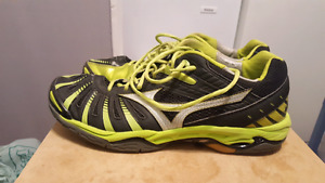 Size 12 Mizuno wave stealth 2 volleyball shoes