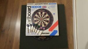 New Nodor Sportcraft Dart Board Made in Great Britian