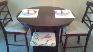 High Dinette Set With Mirror