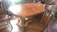 Oval Soil oak double pedestal  table and six chairs