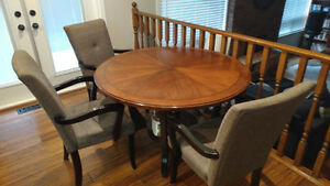 Price reduced black round table with 3 free chairs