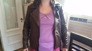 Mint Condition Women's Genuine Danier Leather Jacket (Small)