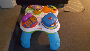 Fisher Price laugh & learn musical table