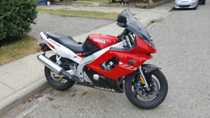 Great condition YZF600R. Leaving province.