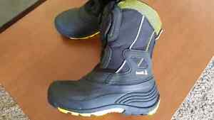 Kamik Boys/Mens winter boots with Boa Closure size 7 Prince George British Columbia image 1