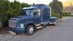 1998 Freightliner Truck (Located in Ashcroft BC)
