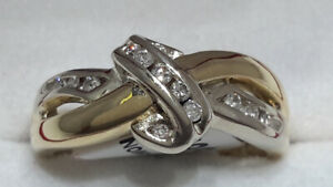 14KT White/Yellow Gold and Diamond Ring SZ 6 1/4