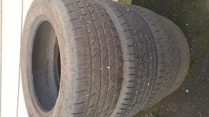 3 pneu à vendre