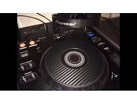 Pioneer Xdj-RX immaculate condition with carbon fibre jog wheels & box