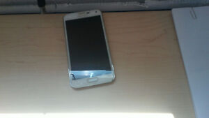 Samsung Galaxy S5 [mint condition. no scratches]