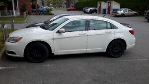 Chrysler 200 LX ***42 000km*** $7500 Négociable