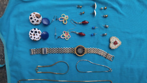For sale a variety of jewlery!
