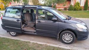 2006 Toyota Sienna CE Minivan, Van