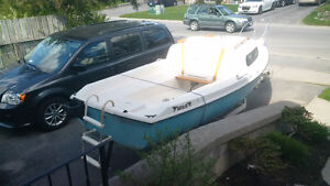 Siren 17' four person cabin cruiser sailboat