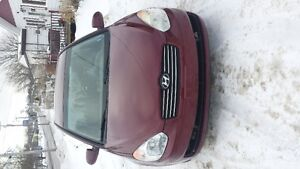 2008 Hyundai Accent Sedan very clean . need gone today New pics