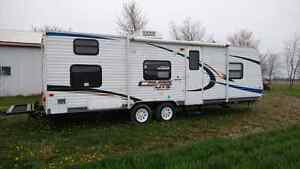 Salem 2011 Cruise Lite 26' Bunkhouse with Backpack