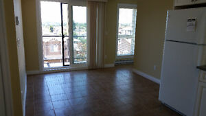 1 bd rm suite Apartment bldg