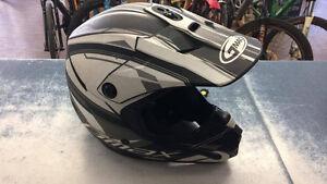 Casque de moto de marque GMAX modèle traxxion Z005746
