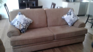 COUCH BY DECOR REST