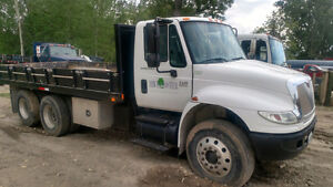 2007 INTERNATIONAL 4400 with DUMP BOX SALE OR TRADE
