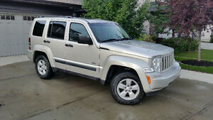2009 Jeep Liberty North Edition SUV, Crossover
