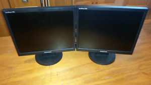 "Pair of Samsung 17"" monitors - Price reduced"