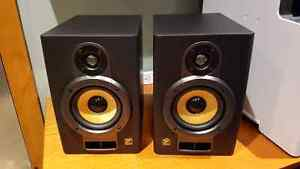 Yorkville YSM2P Active Studio Monitors