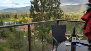 LUXURIOUS EXECUTIVE GOLF RESORT WITH NEARBY WINERIES
