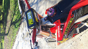 Crf 250r mint condition Windsor Region Ontario image 2