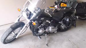 Vstar 650cc 3500$